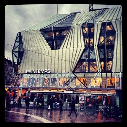 Nouveau_Printemps_Strasbourg_facade_nuit_Instagram