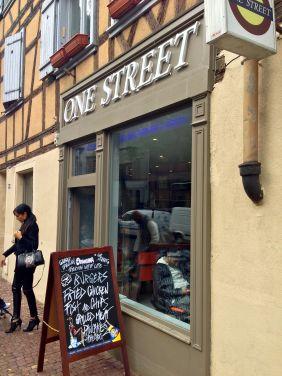 ONE_STREET_BURGER_STRASBOURG_vitrine