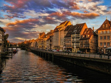 strasbourg_autumn_sunset_by_umblowsthebig1-d34c527